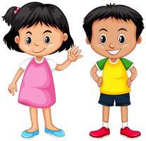 Netter Junge und Mädchen mit glücklichem Gesicht