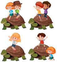 Set van kind rijden schildpad