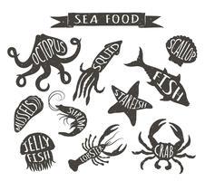 Illustrazioni disegnate a mano di vettore dei frutti di mare isolate su fondo bianco, elementi per progettazione del menu del ristorante, decorazione, etichetta. Sagome d'epoca di animali marini con nomi.