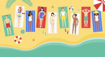 Vacaciones de verano, la gente en la playa estera en la playa