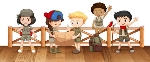 Viele Kinder auf der Brücke
