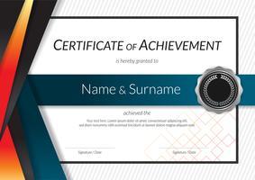 Plantilla de certificado de lujo con elegante marco de borde, diseño de diploma para graduación o finalización