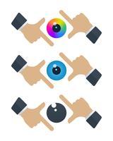 Bulbi oculari nelle cornici delle mani