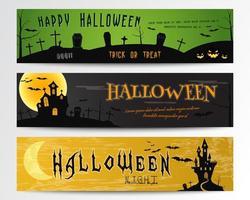 Tre striscioni di Halloween. Disegni verdi, scuri e arancioni.