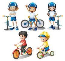 Les enfants avec leurs vélos