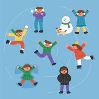 Niños lindos patinaje sobre hielo