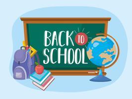 Terug naar school berichten op schoolbord met globe en rugzak