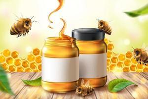 Anúncio de mel puro com frascos, abelhas e favos de mel