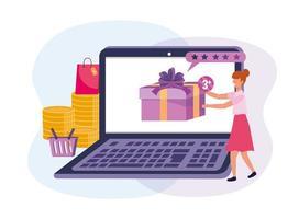 Mujer con laptop comprando en línea para regalo