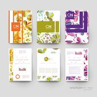 Reeks kleurrijke bloemen verticale brochuremalplaatjes