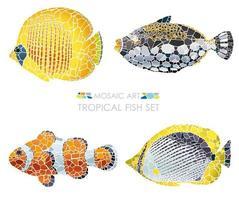 Mozaïek tropische vissen set geïsoleerd op een witte achtergrond.