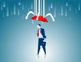 Hombre de negocios con paraguas rojo evitando que caiga la flecha