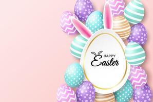 Celebrazione felice di pasqua sul rosa con le uova e le orecchie del coniglietto