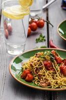 spaghetti de semoule maison aux cerises photo