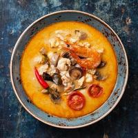 sopa tailandesa picante tom ñame