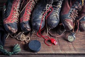 velhos patins de hóquei