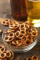 biologische bruine mini pretzels met zout
