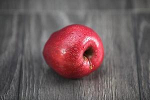 pommes rouges croustillantes