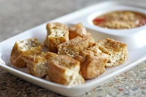 tofu frito o requesón