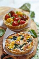 Quiche with tomatoes