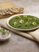 Palak Paneer gravy with nan, Indian Food, India
