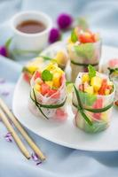exotics fruits spring rolls