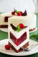 Delicious raspberry cake with raspberry jelly.