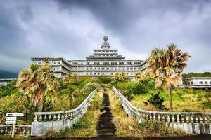 hotel abandonado foto