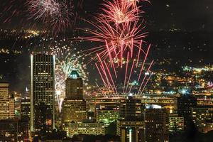Portland Oregon, EE.UU. fuegos artificiales.