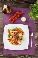 salada de giroscópios de frango