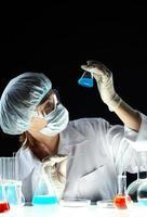 in een donker lab