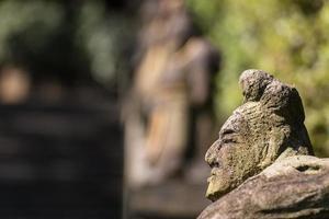 figurine en pierre