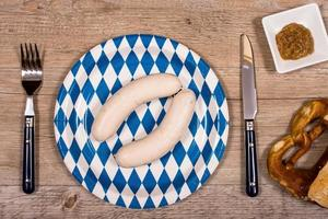 Veal sausages with pretzel and sweet mustard
