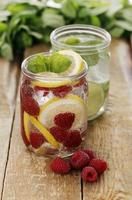 Two different jars with drinks