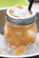 agua de jugo de naranja foto