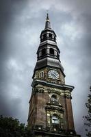 S t. Torre de la iglesia de Katharinen, Hamburgo, Alemania foto
