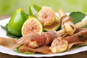 Ham and figs photo