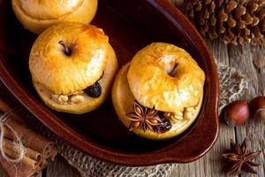 manzanas al horno foto