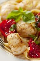 Scallops with Oven Roasted Tomatoes and Pasta