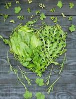 corazón de vitamina verde foto