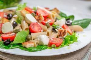 Healthy spring salad with vegetables