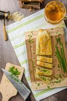 strudel de espinacas, queso azul y ajo