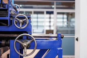 ruedas de control de cortadora foto