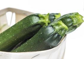 Zucchinis freigestellt bei Tageslicht photo