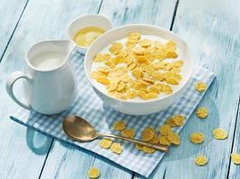 cereales de cereales y leche. foto
