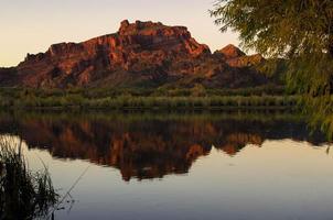 montaña roja foto