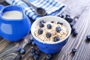 oat flakes with blueberry photo