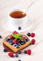 tarta de moras con frambuesas foto