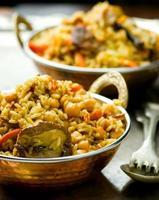 pilaf vegetariano con garbanzos y champiñones foto