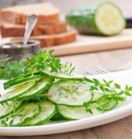 ensalada de pepino fresco foto